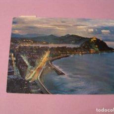 Postales: POSTAL DE SAN SEBASTIAN. VISTA NOCTURNA DESDE EL MONTE ULIA. ED. MANIPEL. CIRCULADA. 1967.. Lote 121077379
