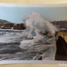 Postales: POSTAL SAN SEBASTIAN ROMPEOLAS GRANDES MAREAS COLOREADA SIN CIRCULAR. Lote 126459583
