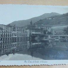 Postales: POSTAL TOLOSA RÍO ORIA AL FONDO EL CASINO ED. ARRIBAS AÑO 1951 14X9 CM. ESCRITA. Lote 143264102