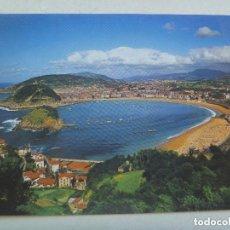 Postales: POSTAL DE SAN SEBASTIAN : VISTA GENERAL DESDE EL MONTE IGUELDO . AÑOS 60. Lote 143335270