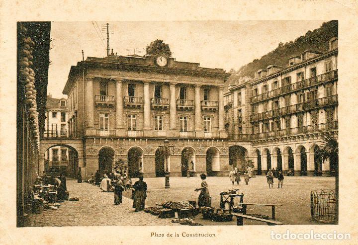 SAN SEBASTIÁN DONOSTIA, LÁMINA 18X12 PLAZA DE LA CONSTITUCIÓN, VENDEDORAS, MERCADILLO (Postales - España - Pais Vasco Antigua (hasta 1939))