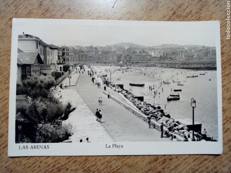 POSTAL CIRCULADA - LAS ARENAS. LA PLAYA. ED. MANIPEL - FRANQUEADA, ESCRITA 1955 - VIZCAYA (Postales - España - País Vasco Moderna (desde 1940))