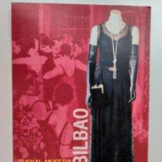 Postales: POSTAL DEL MUSEO VASCO DE BILBAO. EXPOSICIÓN PASADO DE MODA. TRAJE DE NOCHE.. Lote 147265162