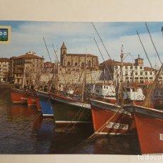 Postales: BERMEO, VIZCAYA, PESQUEROS EN EL PUERTO. Lote 233640685