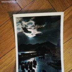 Postales: SAN SEBASTIAN. PUERTO DE PESCADORES EFECTOS DEL SOL. ESCRITA EN AÑO 1960. Lote 148453026