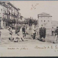Postales: RARA POSTAL FUENTERRABIA PESCADORES EN LA MARINA REV SIN DIVIDIR CIRCUL 1902. Lote 149808438