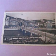 Postales: SAN SEBASTIAN. PUENTE DE STA. CATALINA. CIRCULADA 1945.. Lote 150160238