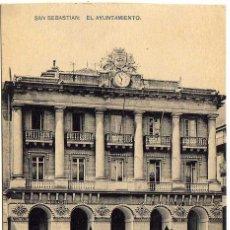 Postales: BONITA POSTAL - SAN SEBASTIAN - EL AYUNTAMIENTO - PUESTOS CALLEJEROS . Lote 155982950