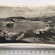 Postales: POSTAL. SAN SEBASTIÁN. VISTA GENERAL DESDE EL MONTE IGUELDO. FOTO GALARZA. H. 1958?.. Lote 161338230