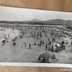 Postales: POSTAL DE FUENTERRABÍA, VISTA GENERAL DE LA PLAYA. FOTO GALARZA. Lote 166718382