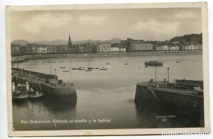 SAN SEBASTIÁN. ENTRADA AL MUELLE Y LA BAHÍA. G.H. ALSINA 30 CENSURA MILITAR TINTA ROJA (Postales - España - Pais Vasco Antigua (hasta 1939))