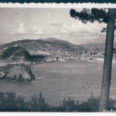 Postales: POSTAL SAN SEBASTIAN - VISTA DESDE EL MONTE IGUELDO - AISA 229. Lote 172625994