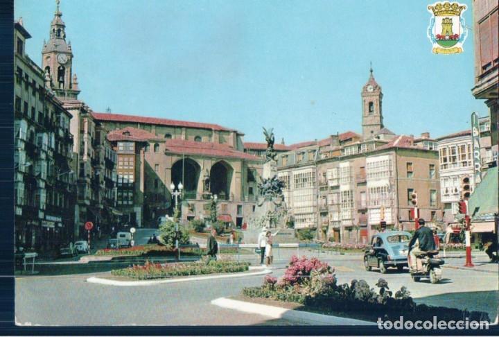 POSTAL VITORIA - PLAZA DE LA VIRGEN BLANCA - 33 GARRIDO - CIRCULADA (Postales - España - País Vasco Moderna (desde 1940))