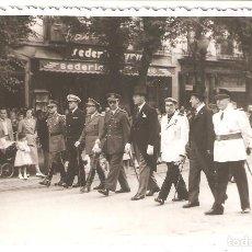 Postales: SAN SEBASTIÁN (GUIPUZCOA) 1952. PROCESIÓN DE AUTORIDADES EN EL CARNAVAL.FOTOCAR (FUENTERRABIA). Lote 183478097