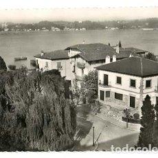 Postales: GUIPUZCOA FUENTERRABIA EL BIDASOA Y PASEO DE DORRONSORO. HELIOTIPIA ARTISTICA ESPAÑOLA. SIN CIRCULAR. Lote 195419831