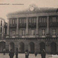Postales: CASA CONSISTORIAL-CIRCULADA Y CON SELLO-SAN SEBASTIAN-GUIPUZCOA. Lote 212017717