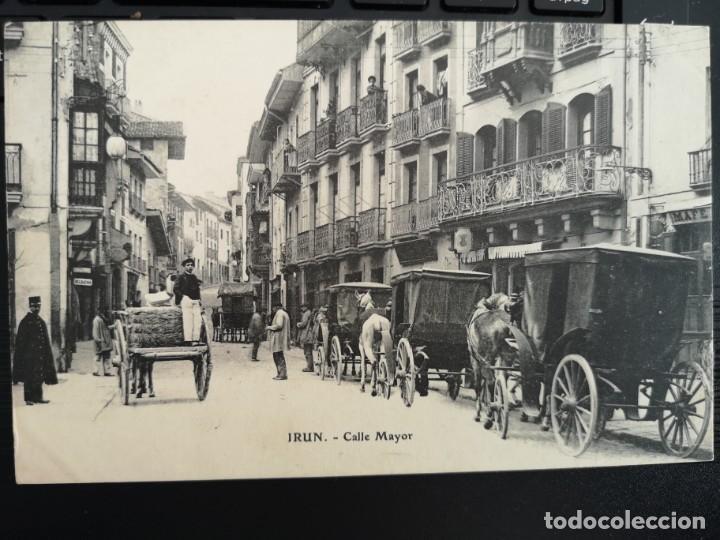 PRECIOSA POSTAL IRUN CALLE MAYOR EDIC E. J. G. GUIPUZCOA PAIS VASCO MUY ANIMADA COCHES CABALLOS (Postales - España - Pais Vasco Antigua (hasta 1939))