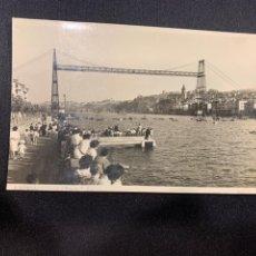 Postales: POSTAL ANTIGUA BILBAO RIA Y PUENTE VIZCAYA INSCRITA 1949. Lote 222378847