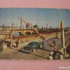 Postales: POSTAL DE IRUN. PUENTE INTERNACIONAL. ED. AGATA. CIRCULADA.. Lote 244443890