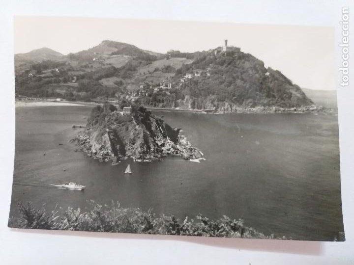 POSTAL BLANCO Y NEGRO. SAN SEBASTIÁN. ISLA SANTA CLARA Y MONTE IGELDO. # 522. SIN CIRCULAR (Postales - España - País Vasco Moderna (desde 1940))