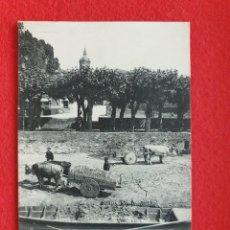 Postales: FUENTERRABIA - HONDARRIBIA GUIPÚZCOA POSTAL ANTIGUA ORIGINAL - CARROS - GABARRA - ND. Lote 253989420