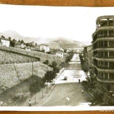 Cartoline: FOTO POSTAL DE IRUN, GUIPUZCOA, AVDA. DEL GENERALISIMO. MANIPEL, NO CIRCULADA.. Lote 275212158