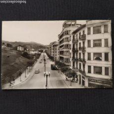 Postales: 54 IRÚN, AVENIDA GENERALÍSIMO FRANCO. HELIOTIPIA ARTÍSTICA ESPAÑOLA - MADRID. Lote 276705223
