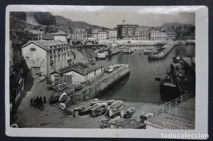 SAN SEBASTIÁN, EL PUERTO, POSTAL CIRCULADA DE LOS AÑOS 50. VER FOTO REVERSO Y COMENTARIOS (Postales - España - País Vasco Moderna (desde 1940))