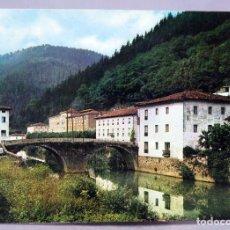 Postales: POSTAL ELGOIBAR VISTA GENERAL DE ALZOLA SEAT 600 HELIOTIPIA ARTÍSTICA 1964 CIRCULADA SELLO 1972. Lote 288040483