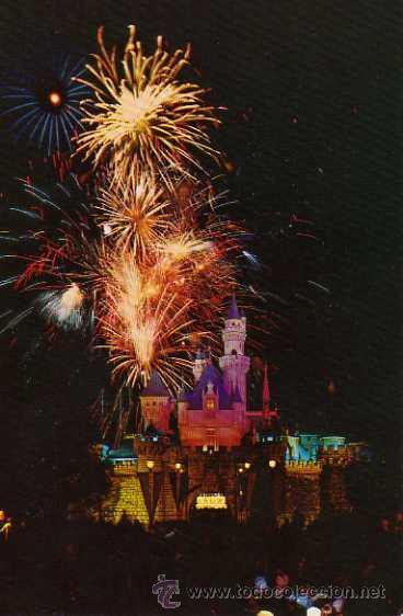 DISNEYLAND THE HAPPIEST PLACE ON EARTH NIGHTTIME BRILLIANCE SIN CIRCULAR (Postales - Postales Temáticas - Publicitarias)