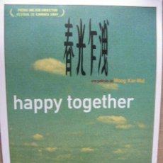 Postales: HAPPY TOGETHER UNA PELÍCULA DE WONG KAR-WAI. 11 X 16 CM.. Lote 52558062