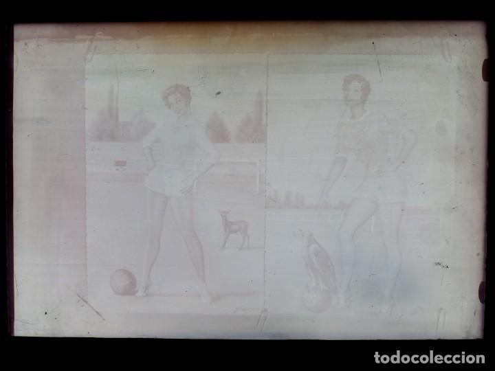 Postales: DIBUJOS CHICAS FUTBOLISTAS FUTBOL - 8 CLICHES ORIGINALES - NEGATIVOS EN CRISTAL - EDICIONES ARRIBAS - Foto 5 - 131355782