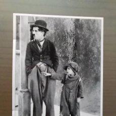 Postales: POSTAL CHARLES CHAPLIN PELICULA EL CHICO. Lote 165880094