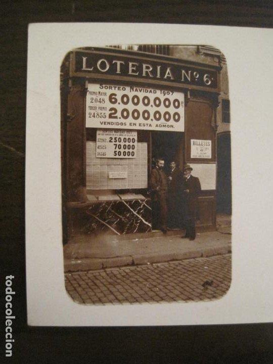 Postales: POSTAL FOTOGRAFICA ANTIGUA DE UN ESTANCO DE LOTERIA-AÑO 1907-VER FOTOS-(67.917) - Foto 2 - 194731947