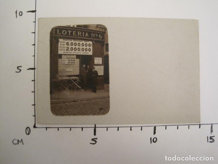 Postales: POSTAL FOTOGRAFICA ANTIGUA DE UN ESTANCO DE LOTERIA-AÑO 1907-VER FOTOS-(67.917) - Foto 5 - 194731947
