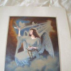 Postales: PRECIOSA POSTAL REPRESENA A UN ANGEL ,ESTA COLOCADA SOBRE CARTULINA LA POSTAL MIDE 21 X 16 . Lote 32094568