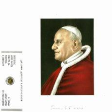 Postales: RECORDATORIO JUAN PABLO II, FOTOGRAFÍA EN TELA DE JUAN XXIII EN TELA Y MONEDA AÑO SANTO. Lote 38017937