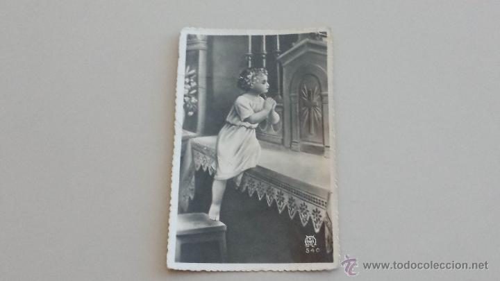 POSTAL ANTIGUA NIÑO REZANDO (Postales - Postales Temáticas - Religiosas y Recordatorios)