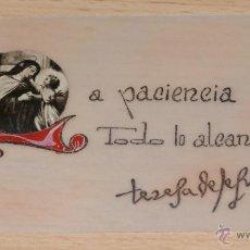 Postales: TARJETA RELIGIOSA DE TERESA DE JESÚS CON RELIQUIA (TROCITO DE TELA).-ORIGINAL. Lote 42864824