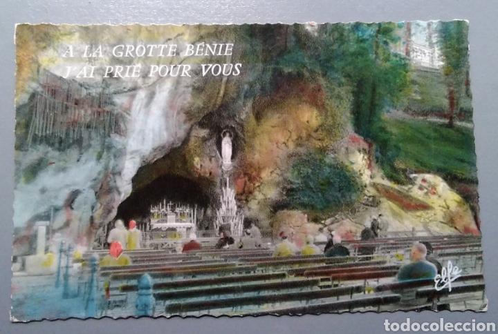 POSTAL FRANCIA LOURDES LA GRUTA MILAGROSA ESCRITA 1955 (Postales - Postales Temáticas - Religiosas y Recordatorios)