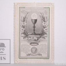 Postales: ANTIGUA ESTAMPA RELIGIOSA TROQUELADA CON PUNTILLA - TU ES SACERDOS IN AETERNUM - PRINCIPIOS S. XX. Lote 167823784