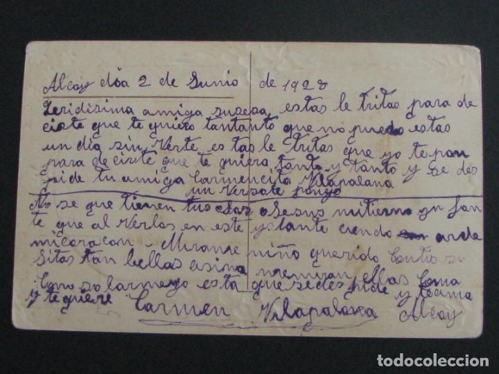 Postales: POSTAL RELIGIOSA CROMOLITOGRAFÍA CON RELIEVES Y DORADOS. ALCOY 1928 - Foto 3 - 177561177