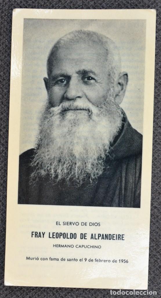 FRAY LEOPOLDO DE ALPANDEIRE - ESTAMPA CON RELIQUIA - FOURNIER VITORIA - 1985 (Postales - Postales Temáticas - Religiosas y Recordatorios)
