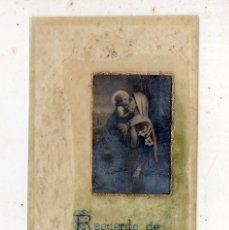 Postales: RECORDATORIO RELIGIOSO ANTIGUO. PINTADO A MANO. AÑO 1919.. Lote 194613520