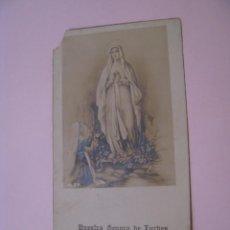 Postales: ESTAMPA RELIGIOSA. NUESTRA SEÑORA DE LURDES. 10,5X5,5 CM. ESCRITA 1930.. Lote 271660498