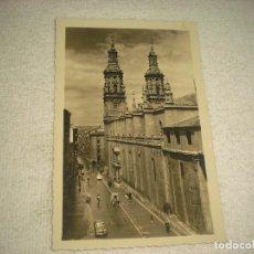 Postales: LOGROÑO . IGLESIA DE LA REDONDA Y CALLE DE MOLA . ED. ARRIBAS, SIN CIRCULAR. Lote 80077165