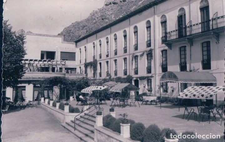 POSTAL LA RIOJA - BALNEARIO DE ARNEDILLO 3 - HOTEL DEL BALNEARIO - GARRABELLA - CIRCULADA (Postales - España - La Rioja Antigua (hasta 1939))