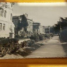 Postales: FOTO POSTAL PONTEVEDRA JARDINES DE COLON. Lote 95881987