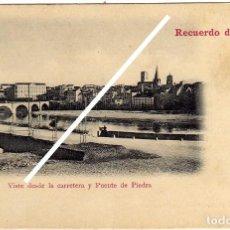 Postales: PRECIOSA POSTAL - RECUERDO DE LOGROÑO - VISTA DESDE LA CARRETERA Y PUENTE DE PIEDRA. Lote 97417507