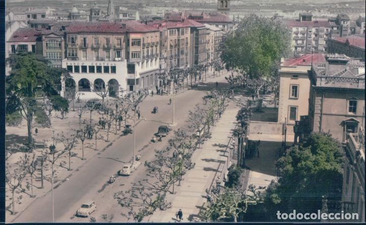 POSTAL LOGROÑO 21 - VISTA DEL MURO DEL CARMEN - EDICIONES PARIS - CIRCULADA - COLOREADA (Postales - España - La Rioja Antigua (hasta 1939))